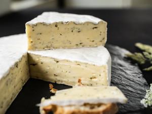Bärlauchbrie Weichkäse Brie mit Bärlauch Österreich