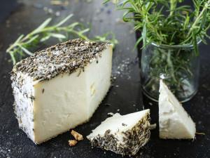 Brin de Amour Schafskäse Korsika Frankreich Kräuterkruste Rohmilchkäse