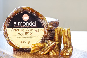 Datteln Walnuss Brot Früchtebrot Spanien Käse