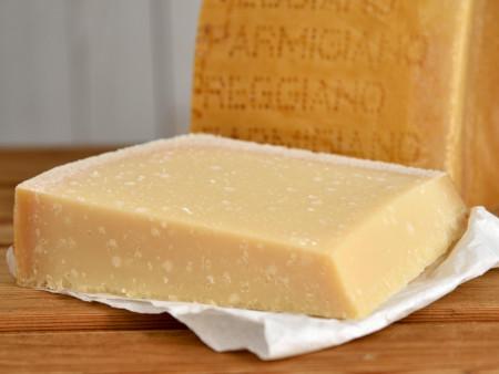 Parmesan Käse | Parmigiano Reggiano DOP 'Stravecchio' | 40 Monate extra gereift | Rohmilchparmesan aus Italien