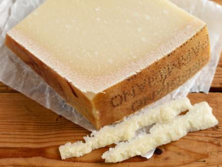 Parmesan Parmigiano Reggiano Vacche Rosse DOP - 36+ Monate gereift